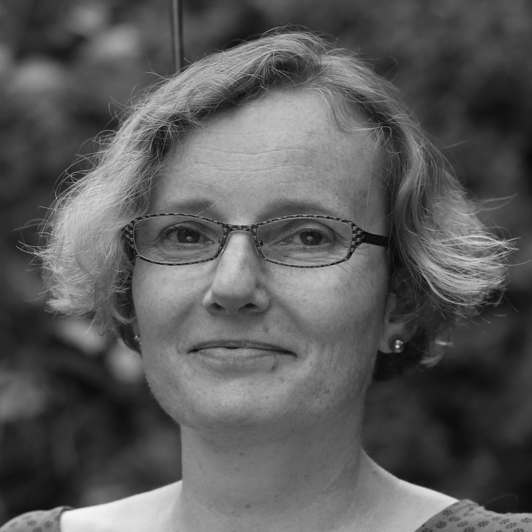 dr Agnieszka Zembrzuska